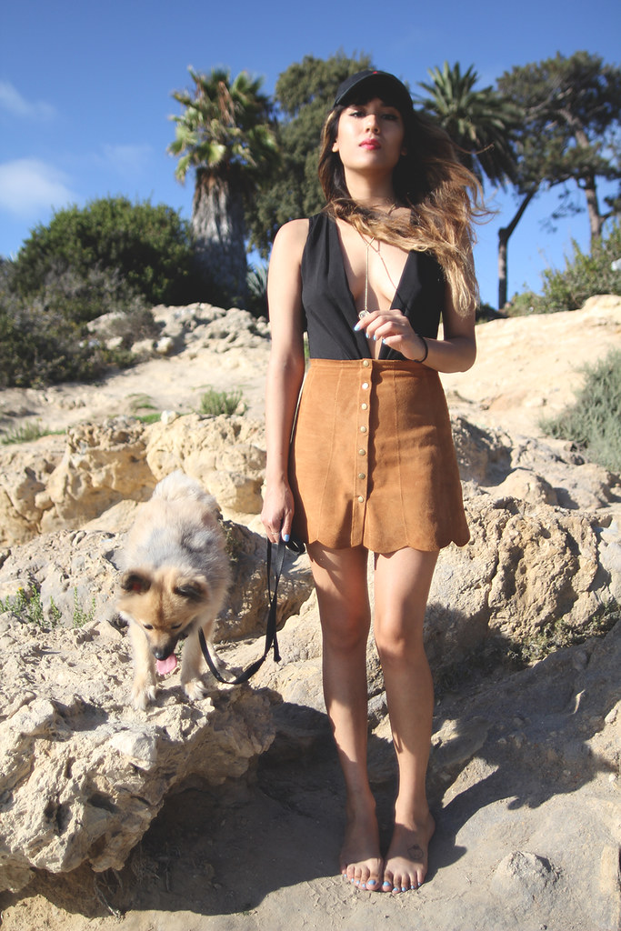 Reformation Abigail Skirt Peanut, suede scalloped skirt, Viola Bodysuit, baseball hat cap, Corono del mar, low neck, v-neck