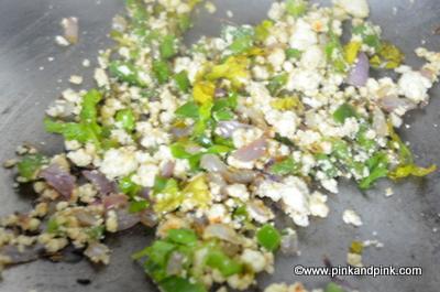 Prepare paneer capsicum stuffing for bread paneer rolls