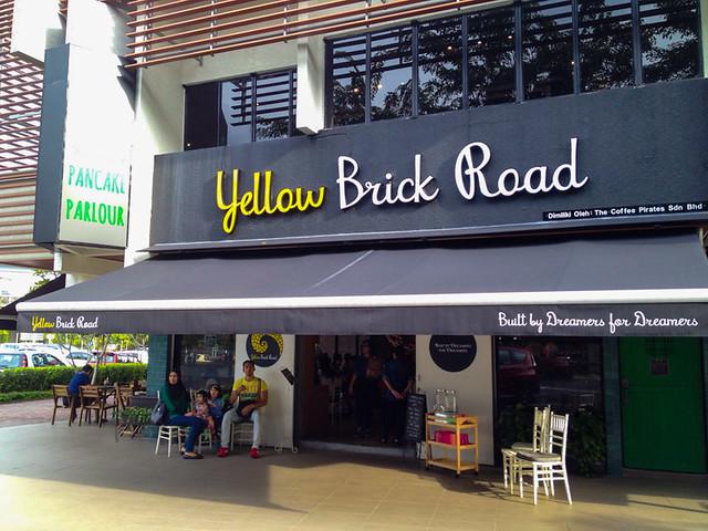 yellow-brick-cafe-road