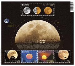 18 Super Lune feuillet
