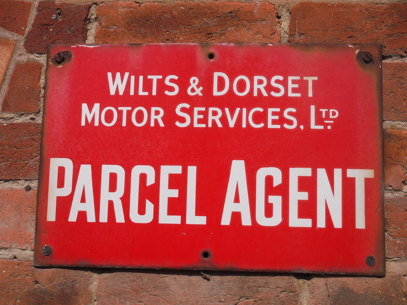 Sign on Ex-Pub, Oare SWC Walk 255 Pewsey or Marlborough Circular via Avebury