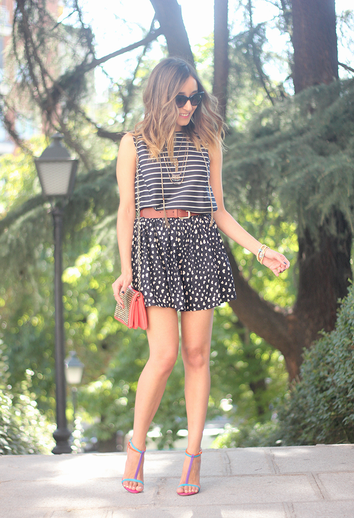 Hearts Stripes Print Skirt Top Outfit Carolina Herrera Sandals14