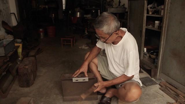 TIM MAN • Tinsmith Craftsman • George Town • MALAYSIA-13