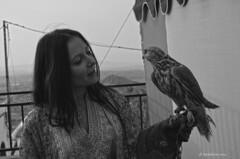 Britgitte  y el halcon Mojacar  byn
