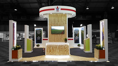 Kishugu-Working-on-Fire-World-Forestry-Congress-2015_HOTT3D_custom-stand_2