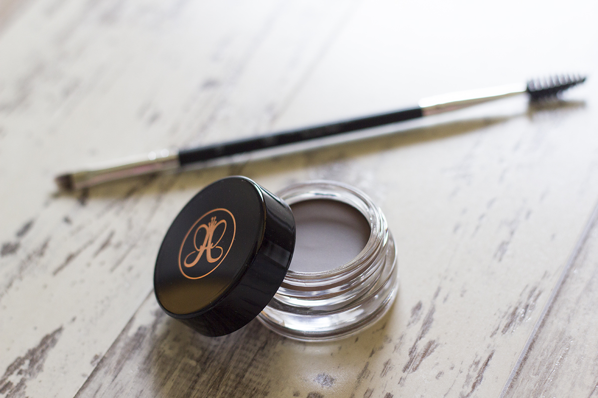 anastasia-beverly-hills-dipbrow-pomade-review