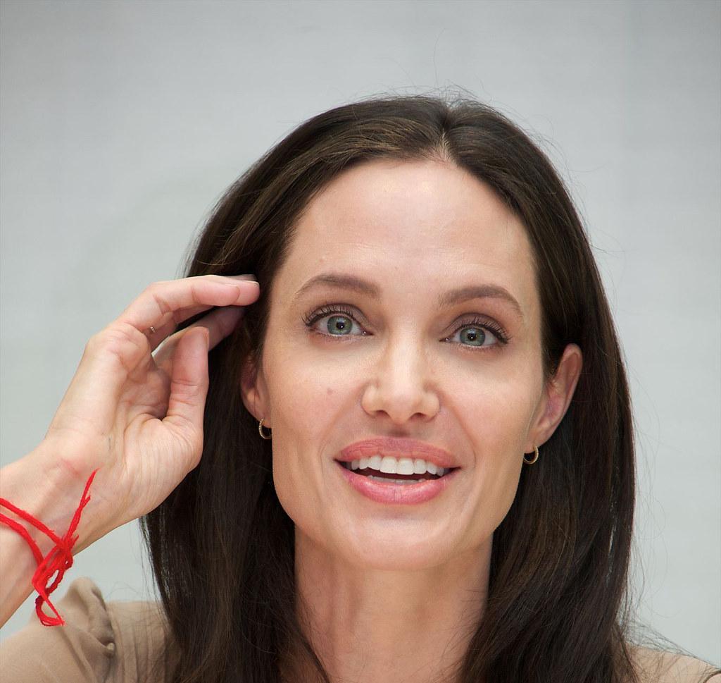 Анджелина Джоли — Пресс-конференция «Лазурный берег» 2015 – 17