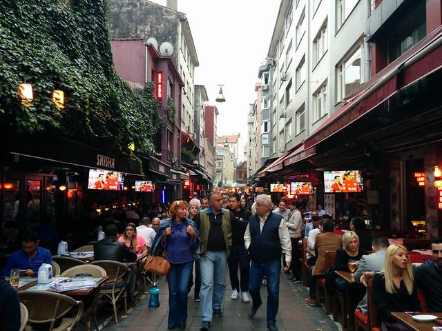 busy street in Kadıköy