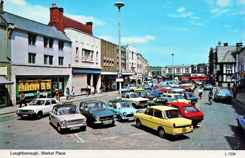 LATE 1970'S POSTCARD OF LOUGHBOROUGH MARKET PLACE
