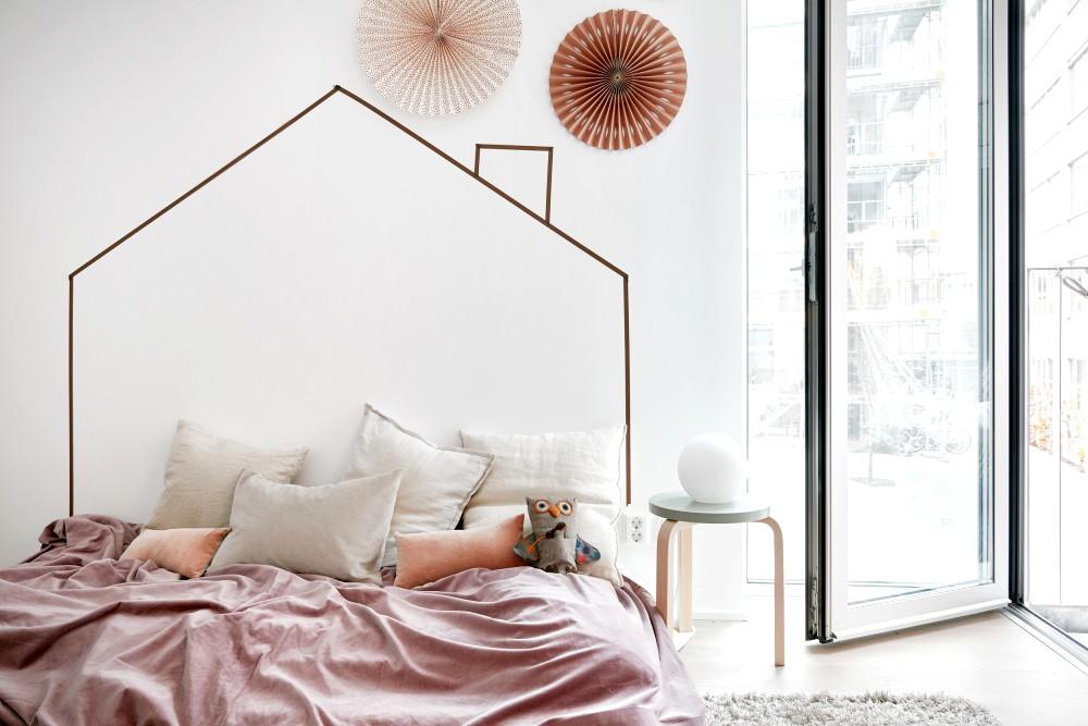 Lovely Scandinavian Home with Black Kitchen Design Inspiration