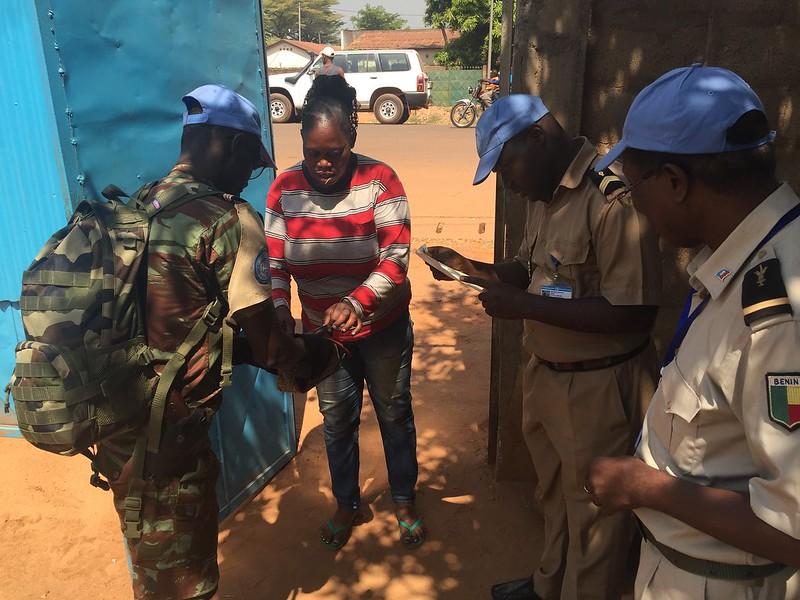 Intervention militaire en Centrafrique - Opération Sangaris - Page 21 23619011182_513c49d864_c