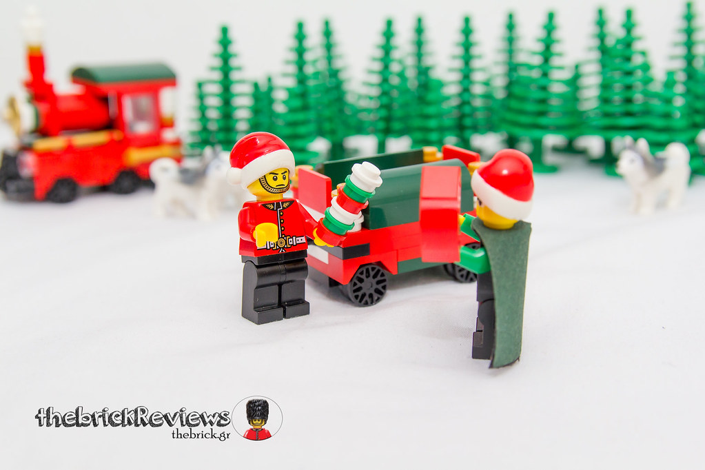 ThebrickReview: Christmas Train - 40138 - Limited Edition 2015 23693115846_512e12fc3c_b