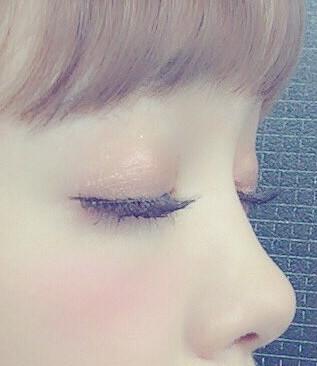 fujita_nicole_make_eyeshadow01