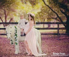 Beautiful Anastasia will welcome another little girl in the next year.  Abby was over the moon to sit on Merlin.  #ruggedcrossyouthranch #sewtrendyassessories #ldephotography #maternity #toddler #pony #lithia #ldephotography #portrait