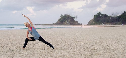beach-byron-yoga jpg