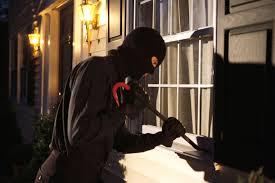 Conversano- furto in appartamento