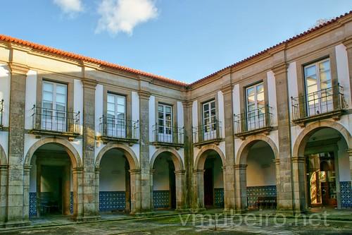 santa portugal geotagged maria sony feira monastery convento cloister convent aveiro prt mosteiro claustro loios a350 geo:lat=4092370731 geo:lon=854171455