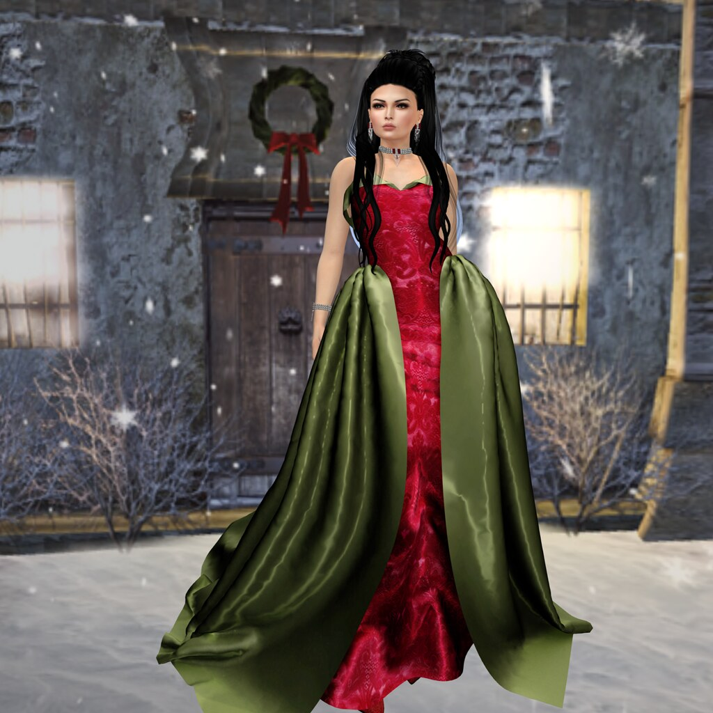 Deck the halls, Junbug FLF gown