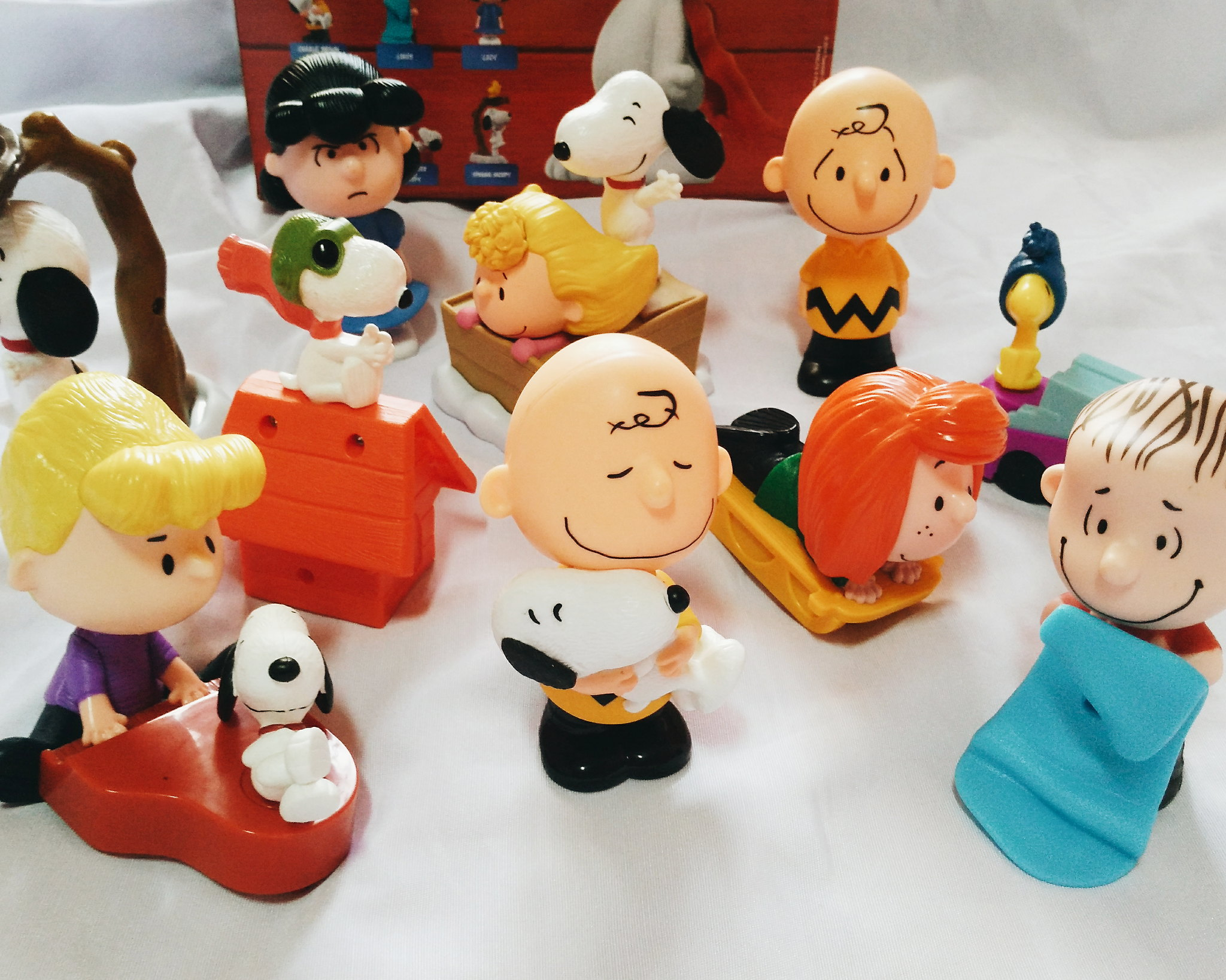 snoopy mcdo happy meal toys