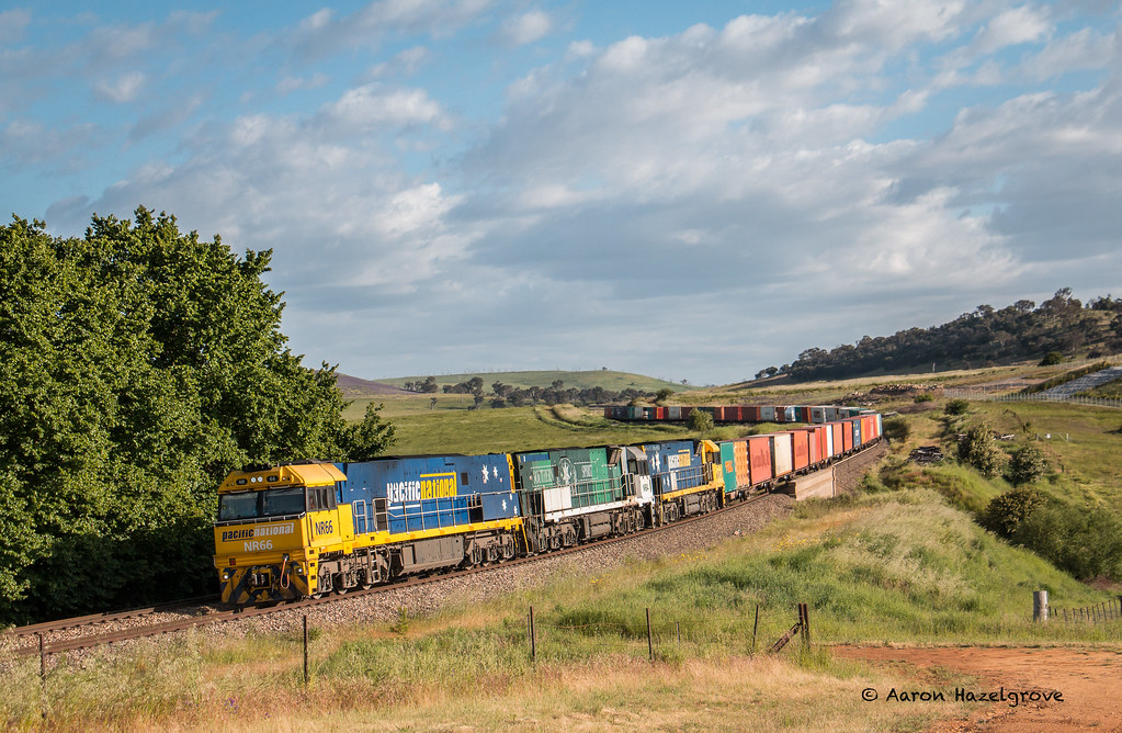 NR66, NR84 and NR52 on 7SM5 at Gunning by Aaron Hazelgrove