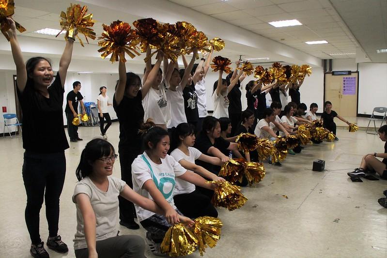 與大家為共同的目標一起努力,是跳啦啦新生們最大的動力。圖/人發系提供。