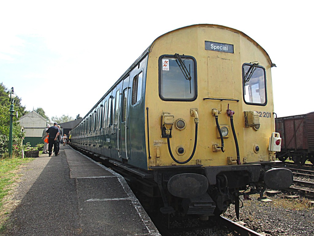 Flickr the uk class 302 304 305 307 308 309 310 312 br slam door - Class 302 Units 302201 302227 At Mangapps Mangapps Railway 22 08 15