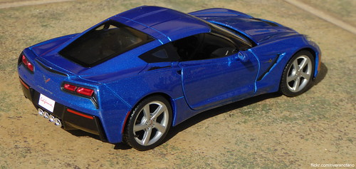Maisto 1:24 Chevrolet Corvette Stingray 2014