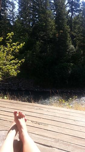 white salmon river, sun, feet