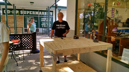 Constructing the Makerspace 125 Parade Float, August 23, 2015