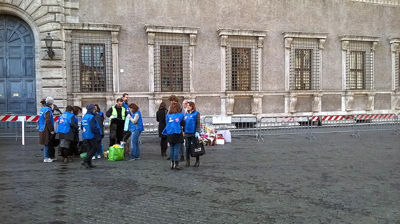 Piazza Farnese Retake Roma