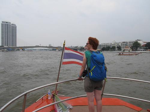 Bangkok: Miss V sur un bateau-bus