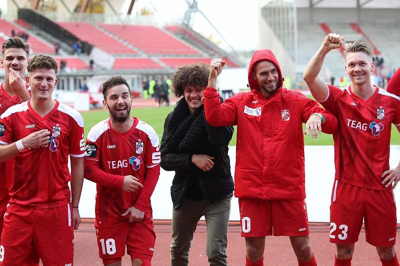 29.10.2016   FC Rot-Weiss Erfurt vs. SV Wehen Wiesbaden 1-0 , Fotograf: Frank Steinhorst-Pressefoto