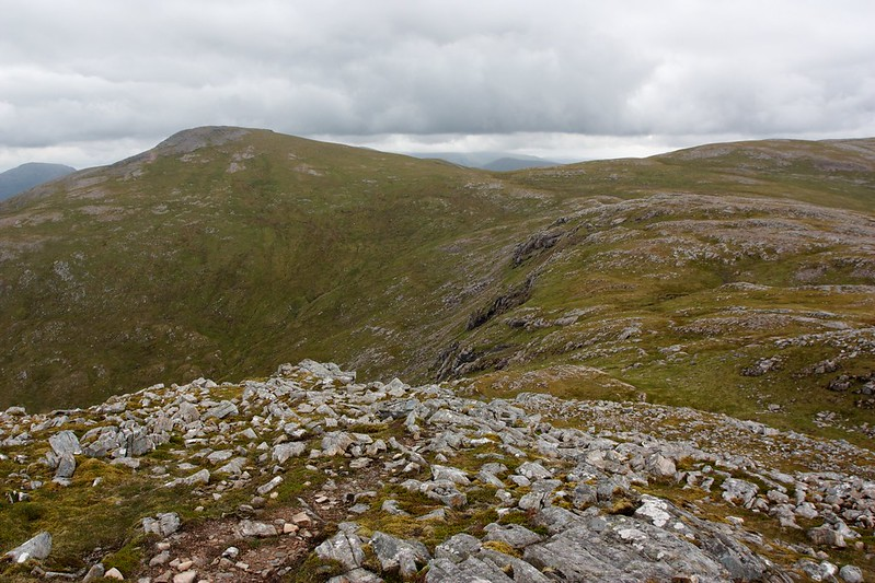 Around the coire to Chno Dearg