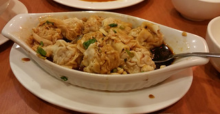 spicy wontons with garlic and hot chili oil - minus about 2 wontons we ate already