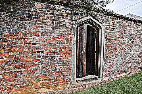 Doorway 040-001