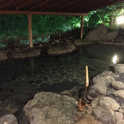 西暦705年創業の世界で最も歴史のある旅館に初めて泊まりにきました。 #西山温泉 #慶雲館 #ギネス・ワールド・レコーズ #温泉 #旅館 #源泉掛け流し