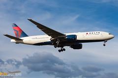 Delta 777-200 N867DA