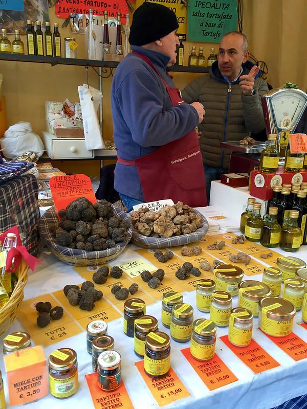 Truffle vendor, Sant'Agata Feltria