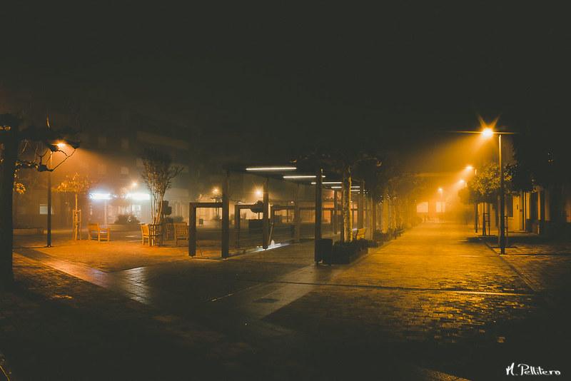 Santa Maria del Páramo: Noche de Niebla - Plaza de la Madera