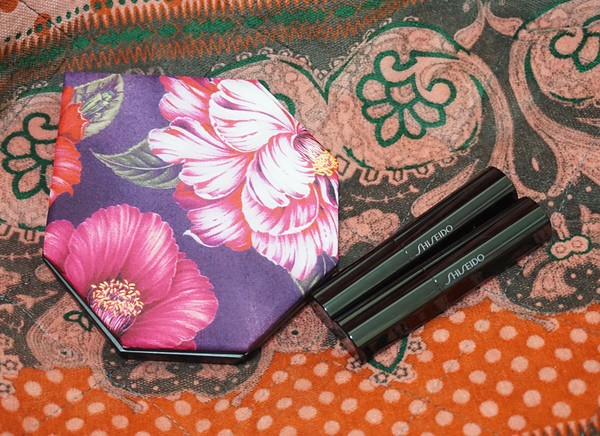 山茶花彩妝 ★ Shiseido Makeup x  Y's Festive Camellia 的限定彩粧盤