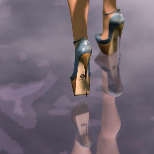 Glamistry: Parrasana Heels