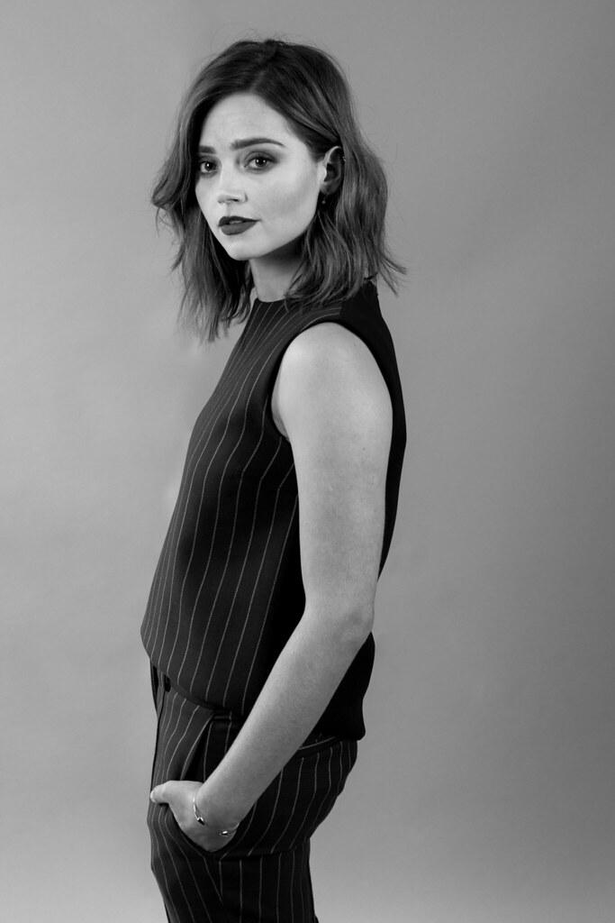 Дженна Коулман — Фотосессия для «Виктория» на «Summer TCA» 2016 – 9