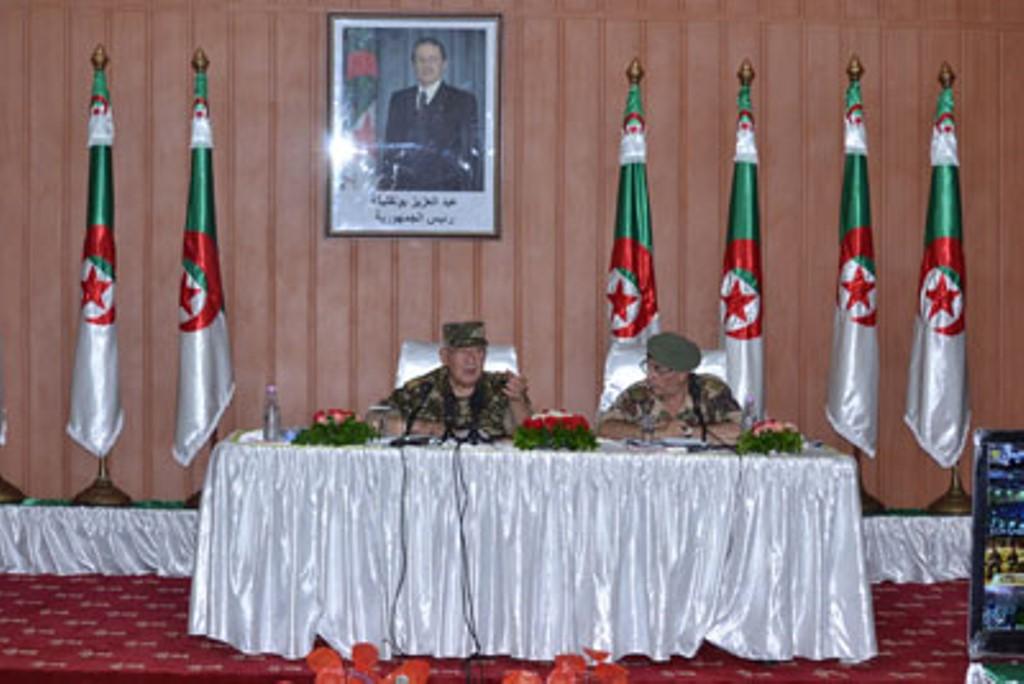 الجزائر : صلاحيات نائب وزير الدفاع الوطني - صفحة 4 30660481842_f160a09e8f_o