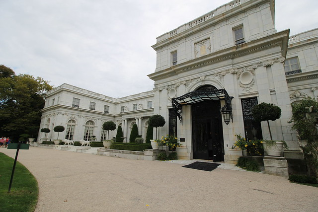 Marble house definition meaning - Porte cochere pronunciation ...