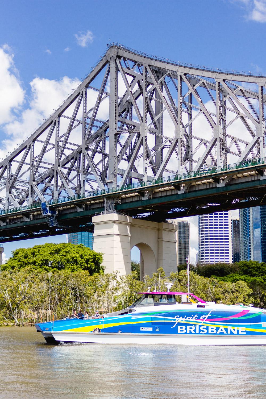 bridge over brsbane river ferry