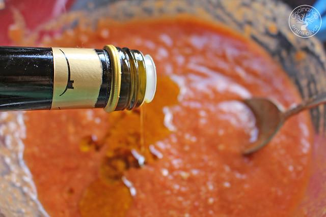Solomillo en manteca con salsa romesco www.cocinandoentreolivos.com (48)