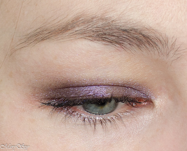 catrice-liquid-metal-050-we-re-the-inner-purple-1-2