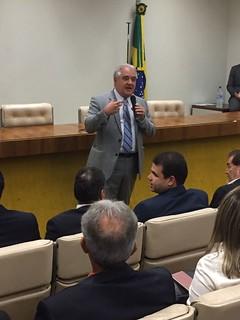 Prefeitos eleitos visitam Câmara dos Deputados