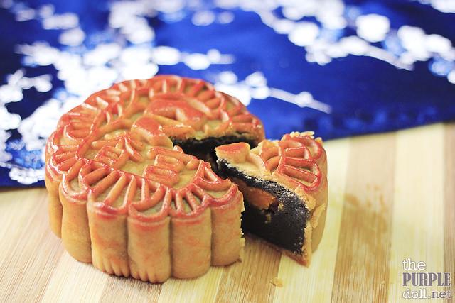 Makati Shangri-la Black Sesame Mooncake