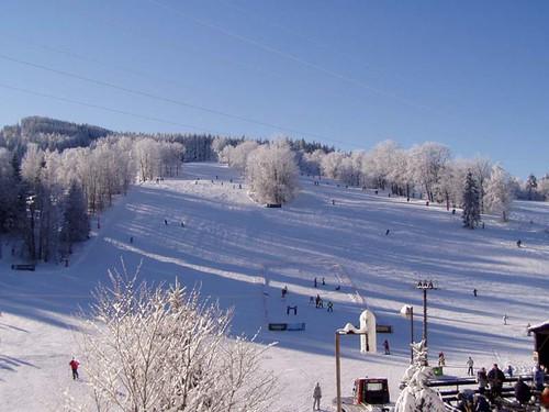Jednodenní skipas ve Ski centru MIROSLAV s 39% slevou